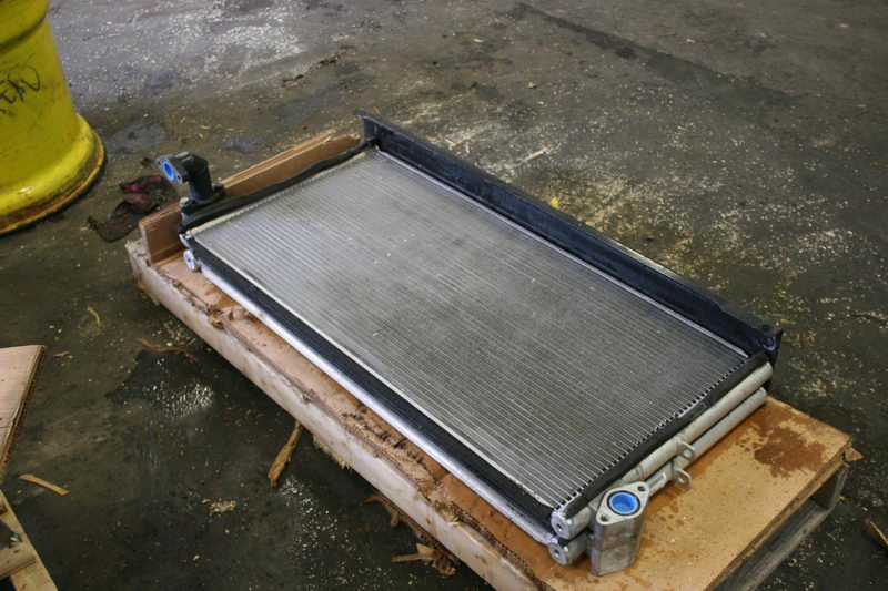 Hydraulic coolers and radiators - Heavy equipment parts