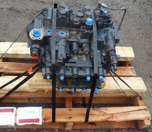 Main control valves - Heavy equipment parts