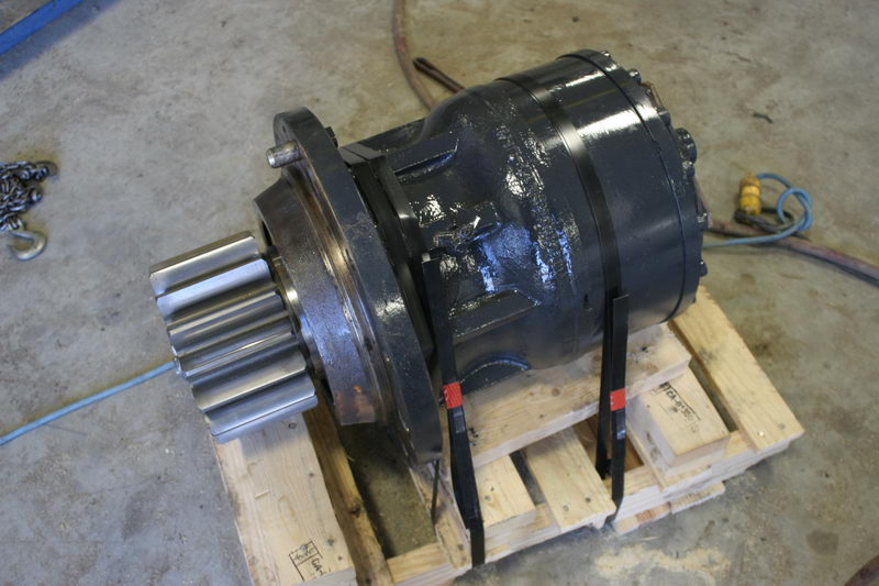 Swing motors - Heavy equipment parts
