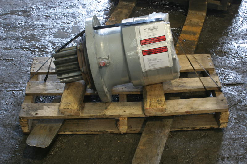 Swing gearboxes (swing drives) - Heavy equipment parts