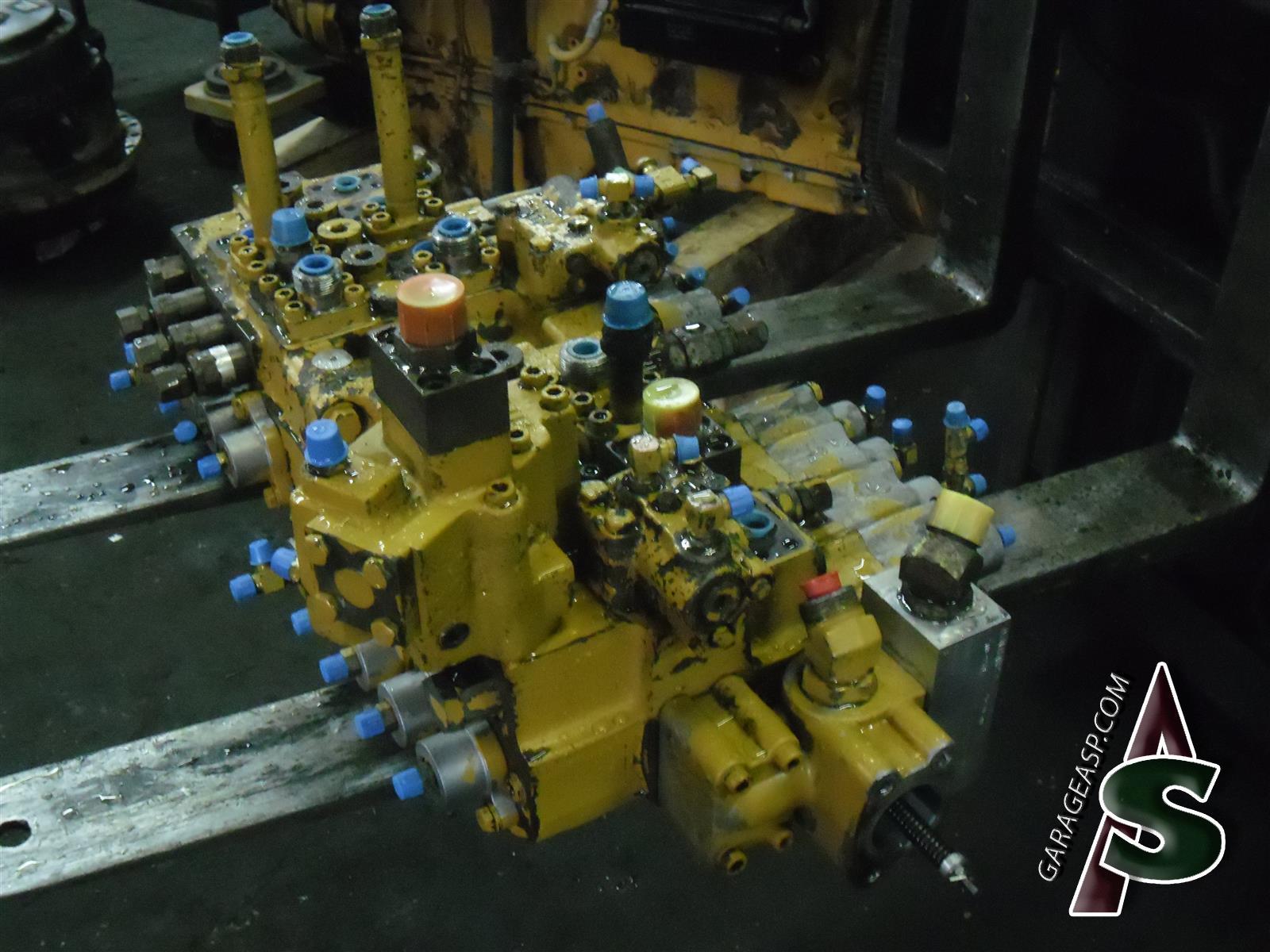 Caterpillar Control Valves Heavy Equipment Parts Cat 236 Engine Diagram 208 320l Bodyvalve 6e 2473